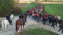 Cerarjeva vlada in aktivisti Levice so spustili 550.000 nepreverjenih ljudi na ozemlje Evrope.