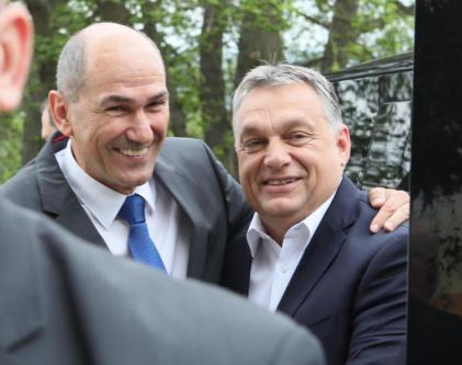 Janez Janša in Viktor Orban na kongesu SDS 2017